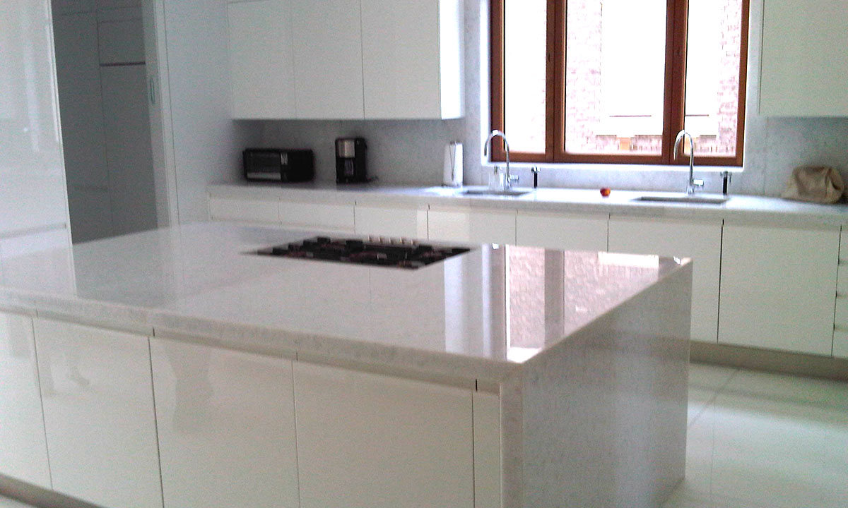 Modern White Marble and High Gloss Lacquer Custom Kitchen