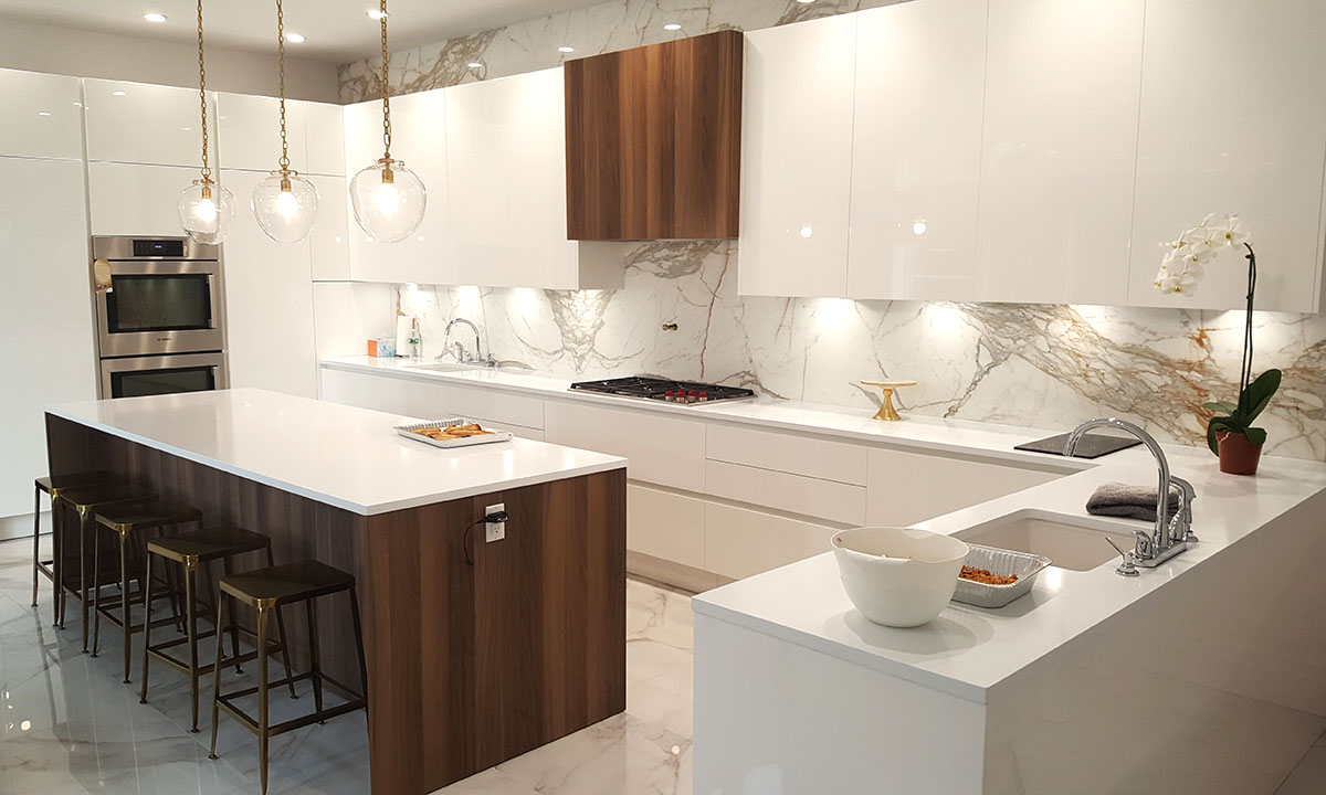 High Gloss Lacquer and Wood Custom Kitchen